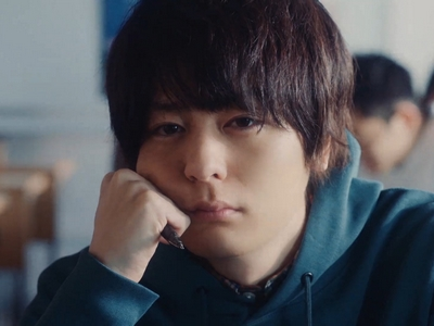 Mob is played by the actor Inukai Atsuhiro (犬飼貴丈).