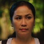 Tian's mom is played by Jeab Paweena Charivsakul (ปวีณา ชารีฟส�ุล).