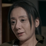 Chui Ying is played by the actress Francesca Kao (高慧�).