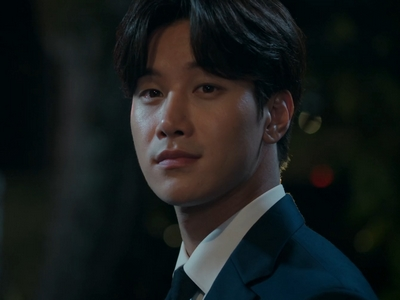 Jun Cheng is played by the actor Lee Shi Kang (�시강).