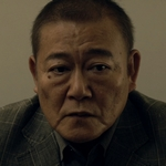 Hiasa's father is played by the actor Jun Kunimura (國�隼).