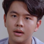 Pon is portrayed by the actor Mac Kridtat Satharanond (�ม็ค �ฤตธัช สาทรานนท์).
