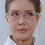 Tom Ratchaneekorn Panmanee (รชนี�ร พันธุ์มณี) portrays one of the teachers.