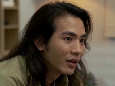 James is portrayed by the actor Time Dhamawat Suntanaphan (ธามวัสน์ สันธนะพันธ์).