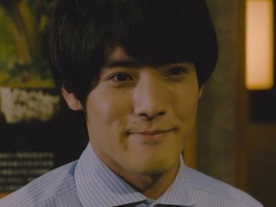 Adachi is portrayed by the actor  Eiji Akaso (赤楚衛二).