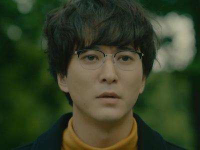Tsuge is portrayed by the actor Kodai Asaka (浅香航大).