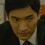 Urabe is portrayed by the actor Suzunosuke Tanaka (鈴之助).