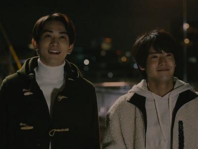 Kurosawa and Adachi watch fireworks in the Cherry Magic ending.