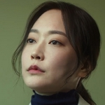 Yeon Woo's aunt is played by the actress Lee Min Ji (�민지).