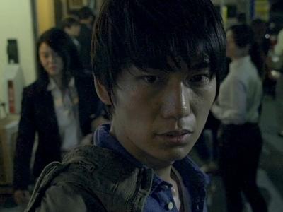 Katsuragi is played by the actor Sho Watanabe (渡邊将).