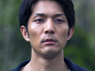 Yoda is played by Yoden Takashi Kitadai (北代高士).