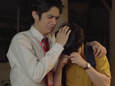 Tokyo and Tam pretend to cry to tug at Din's heartsrrings.