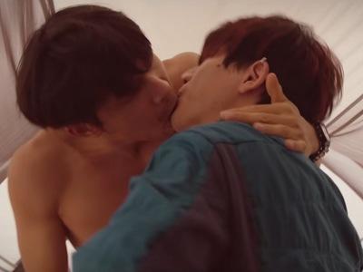Jian-yi and Li-wei share a kiss in a deleted scene of Dear Tenant.