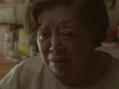 Xiu-yu is in tears after losing her eyesight.