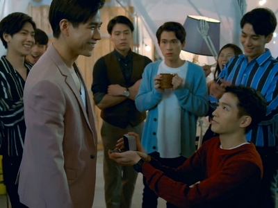 Bing Wei and Zhe Yu got engaged at the end of Fighting Mr. 2nd.