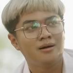 Kleua Kang is played by the actor Yourboy Nureee (ธวัชชัย เพชรสุข).