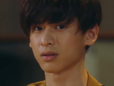Mafuyu is portrayed by the Japanese actor Sanari (��り).
