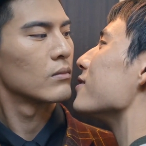 The relationship between Shao Fei and Tang Yi is full of sexual tension.