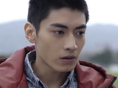 Feng He is portrayed by the Taiwanese actor Edison Song (宋�緯).