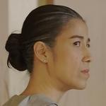Nom is played by the actress Amata Piyavanich (อมตา ปิยะวานิชย์).