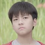 The child version of Thun is played by Nattapat Nimjirawat(ณั�พัชร์ นิมจิรวัฒน์).