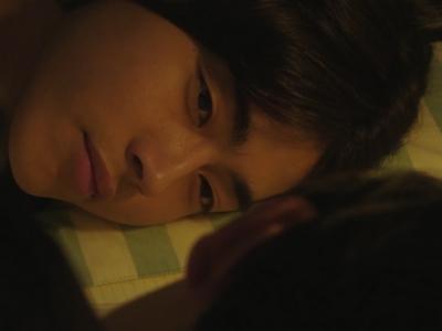 Nagisa stares at Shun while he's sleeping.