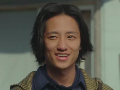 Nagisa is played by Fujiwara Kisetsu (藤原季節).