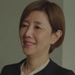 Nagisa's lawyer is played by the actress Toda Keiko (戸田��).