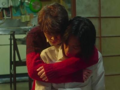 Shun still has feelings for Nagisa despite breaking up years ago.