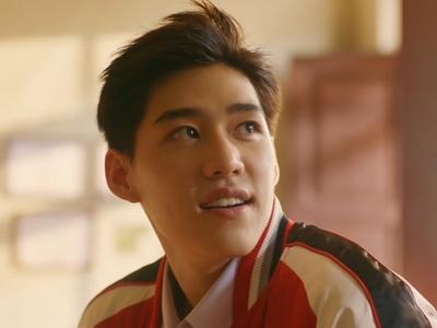 Oh-aew is played by the actor Krit Amnuaydechkorn (�ฤษ�์ อำนวยเดช�ร).