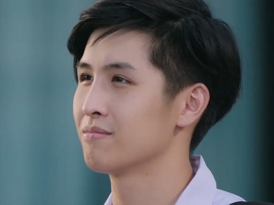 Earth is portrayed by the actor Pond Suriyakun Pormmasen (สุริย�ุล พรหมเสน).