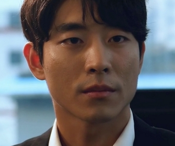 Chisoo is played by the actor Tak Woo Suk (�우�) .