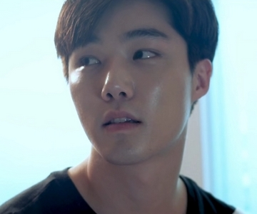 Gitae is played by the actor Yeon Seung Ho (연승호).