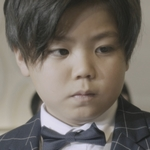 The child version of Ryoma is played by the actor Ryuki Yoshimura (���希).