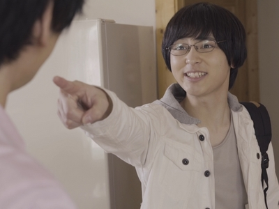Izumi points his finger at his manager Rei.