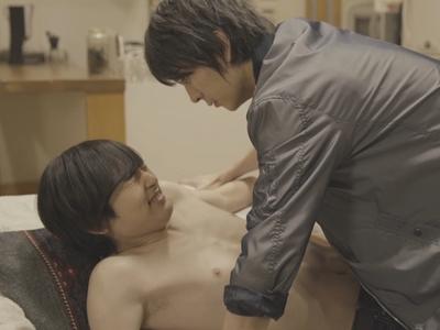 Ryoma ambushes Izumi with a kiss at his house.
