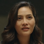 Gene's mom is played by the actress Ornanong Panyawong.