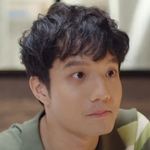 Hin is played by Kenji Wasin Panunaporn.