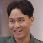 Mai is played by the actor Earth Niroth Ruencharoen.