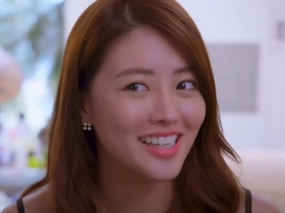 Hua Hua is portrayed by the Taiwanese actress Lene Lai (賴��).