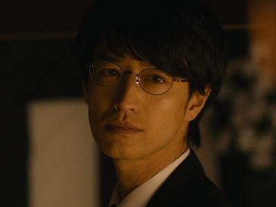 Kijima is played by the actor Takezai Terunosuke (竹財�之助).