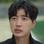 Coach Bong is played by the actor Yoo Jang Young (유장�).