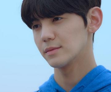 Jin Won is played by the actor Jin Won Chun Seung Ho (천승호).