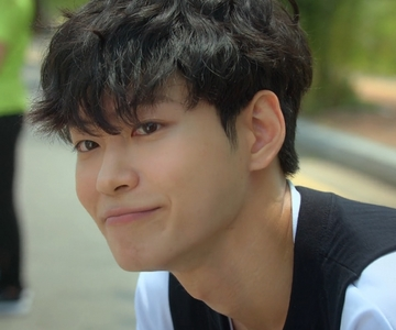 Sang Ha is played by the actor Lee Se Jin (�세진).