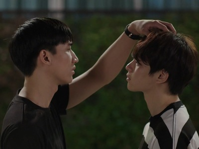 Jin and Bbomb start becoming boyfriends in Nitiman Episode 5.