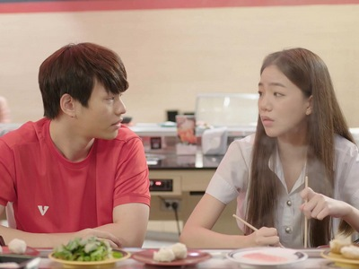 Jin rejects Som when she confesses to him.
