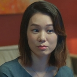 Shi De's mom is played by the actress Helena Hsu (許乃涵).