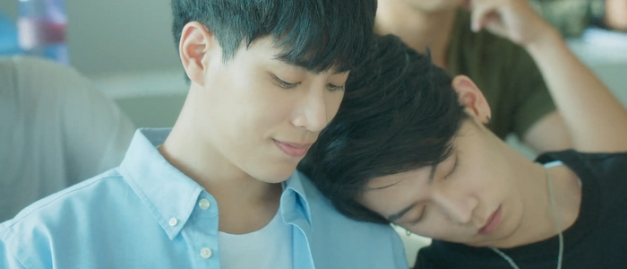 There were many tender moments between Shi De and Shu Yi.