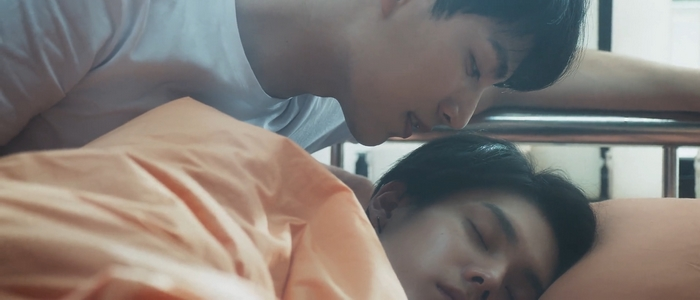 Shi De manipulated the situation so that he and Shu Yi would spend the night together.