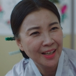Ho Seon's mother is played by Jung Jae Eun (정재�).